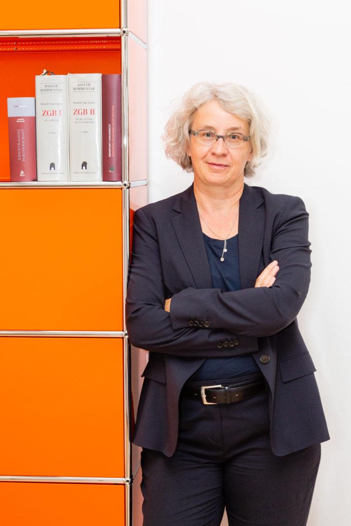 Porttraitfoto von Veronika Imthurn, Rechtsanwältin in Winterthur